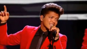 Bruno Mars Live, performance
